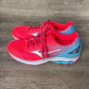 Mizuno Wave Rider 19 Women's running shoe size 9.5